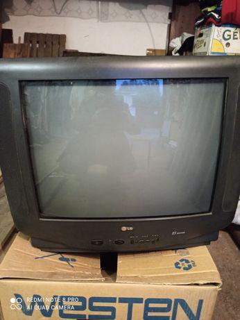 Продам телевізор LG з пультом в робочому стані