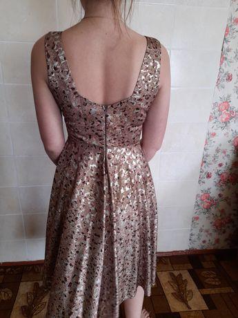 Шикарне плаття / сукня