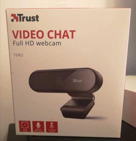 Webcam trust full HD com tripé nova e selada na caixa a preço único!