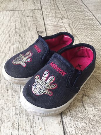 Взуття для дівчинки 22р, мокасини, кросівки,