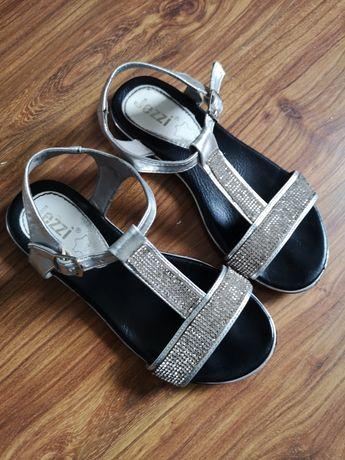 R 33 sandalki z cyrkoniami