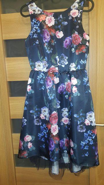 Sukienka na  152 cm