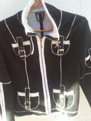 Куртка косуха с ремнями осенняя черно белая демисезонная