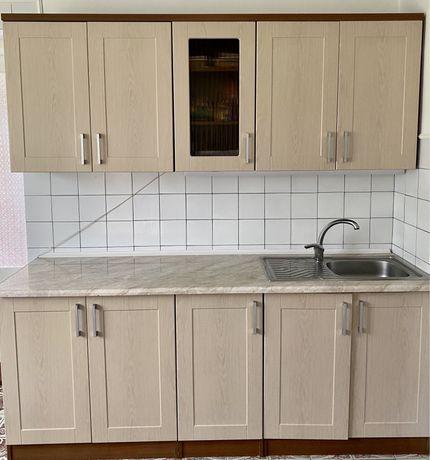 Кухня, куханна стінка, кухонні меблі