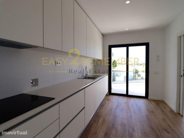 Apartamentos T2 novos | Vista mar a 350 metros da praia |...