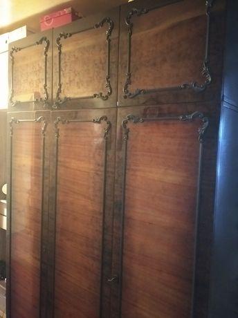 Шкаф 3- х створчатый.