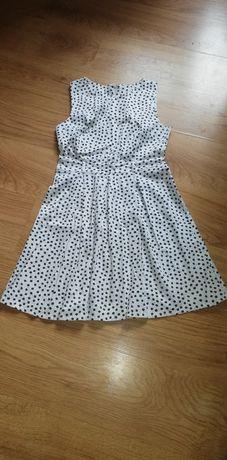 Sukienka biała gwiaztki