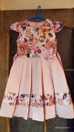 Платье нарядное, можно на Новый год