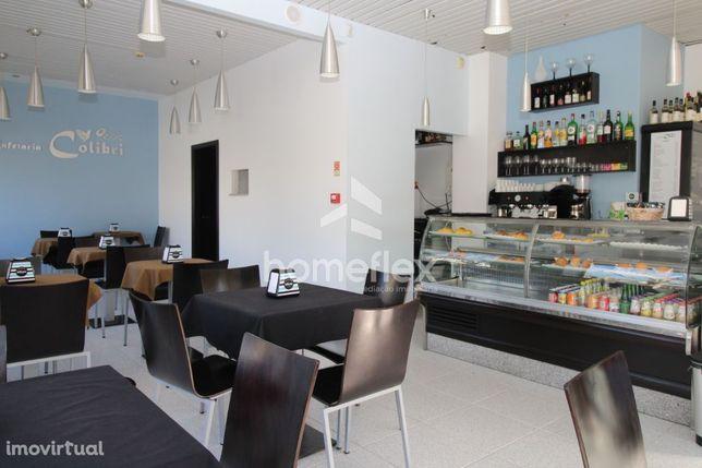 Café/Snack-bar, no centro da cidade, para trespasse