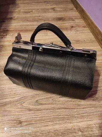 Stara torba lekarska
