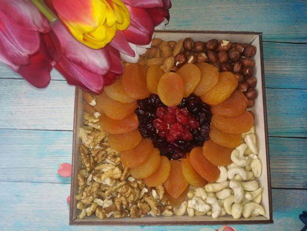 Орехи, сухофрукты, подарочные наборы на любой вкус и бюджет