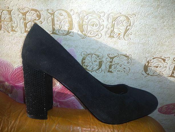 Туфли замшевые женские 39