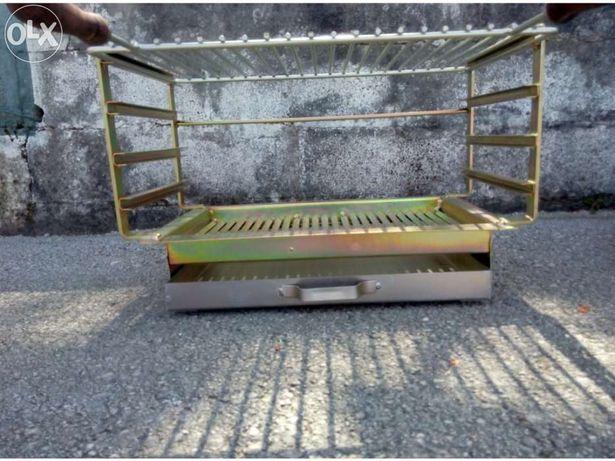 Grelhador / Fogareiro / Barbecue / Churrasqueira em ferro zincado