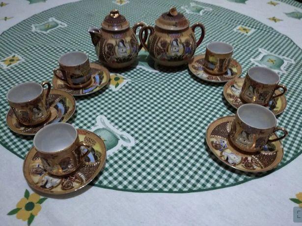Serviço de café oriental