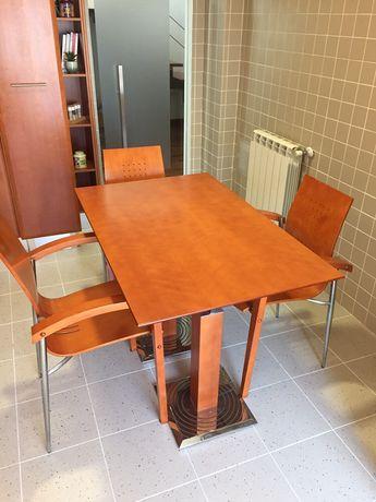 Mesa de Cozinha + 3 cadeiras