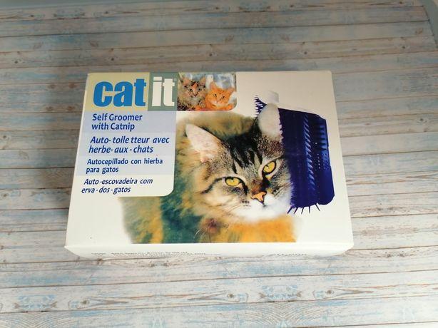 Угловая щётка-чесалка для кошек