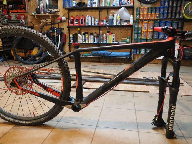 Rama rowerowa karbonowa Superior 979 ro. M