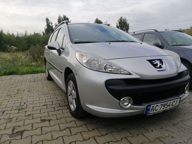 Peugeot 207 1.4 панорама