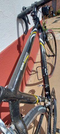 Bicicleta ciclismo em carbono