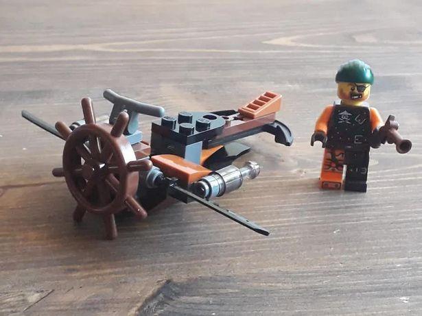 Лего 30421 Пиратский самолет