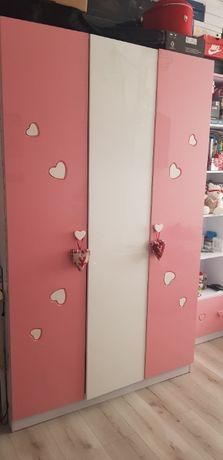 meble dla dziewczynki biało-różowe w serduszka