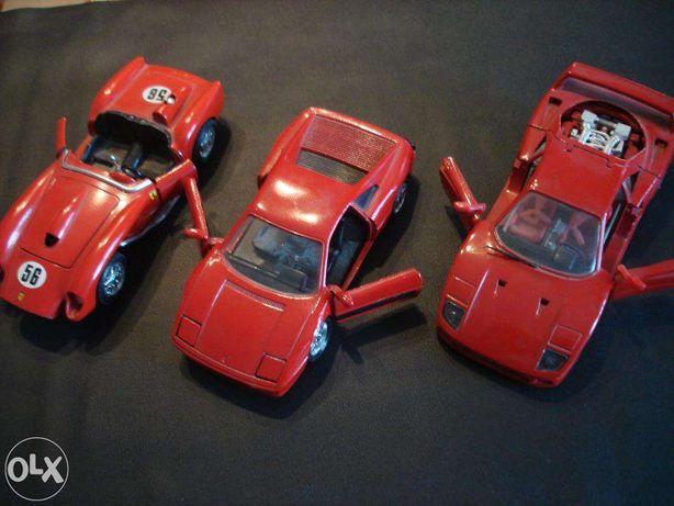 Automoveis miniaturas Ferraris de coleção