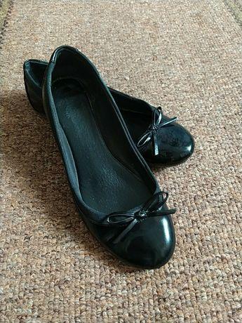 Туфлі, балетки..