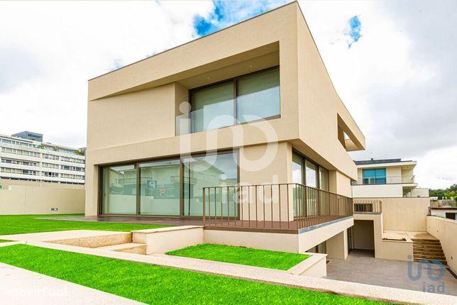 Moradia - 460 m² - T3