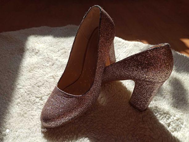 Piękne brokatowe buty. Rozmiar 38. Pudrowy róż