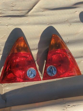 Lampa lewa prawa tył daihatsu YRV