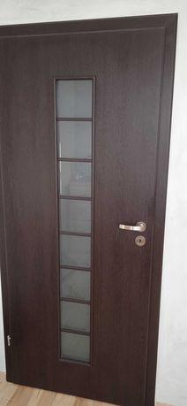 Sprzedam drzwi pokój i łazienka