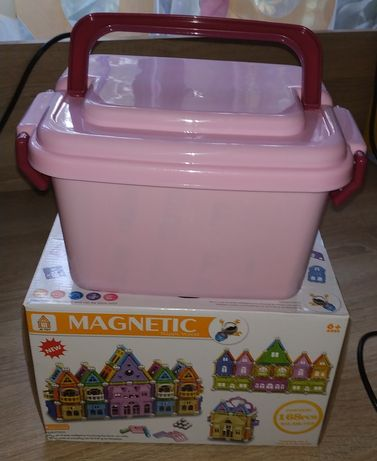 """Магнитный конструктор Magnetic в чемоданчике """"Замок"""" 168 деталей"""