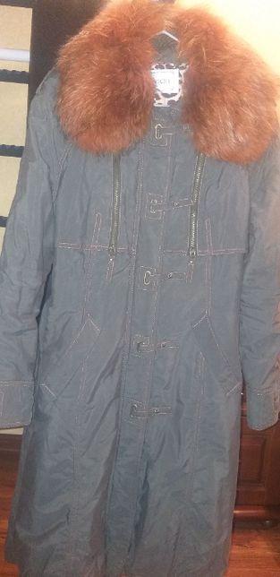 Демисезонное пальто, размер 48-50 размер.