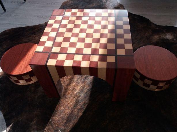 Szachy- stolik do gry dla pasjonatow