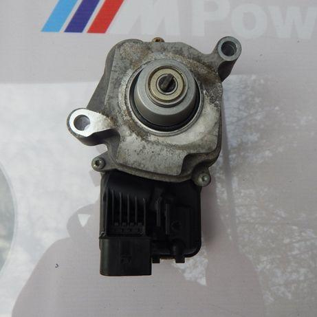 Моторчик роздатки BMW X5 F15 X6 F16 БМВ Х5 Ф15 7542211сервопривод