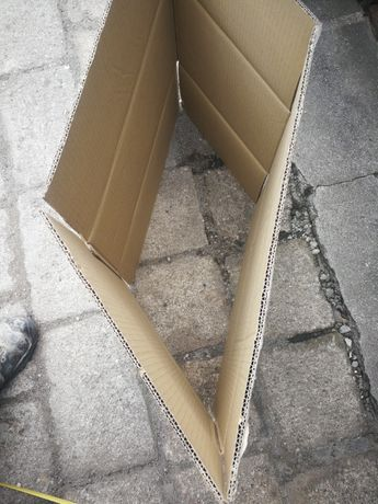 Karton kartony pudła klatki skrzynki opakowania foremki pudła worki