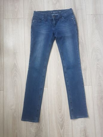 Damskie spodnie jeansy Levis 26-32 s