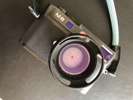 Leica m8 preta c/ grip + Voigtlander nokton f/1.4 40mm