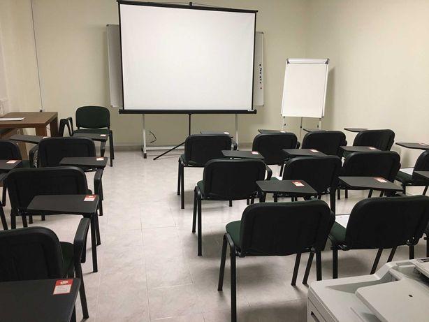 Sala de formação equipada