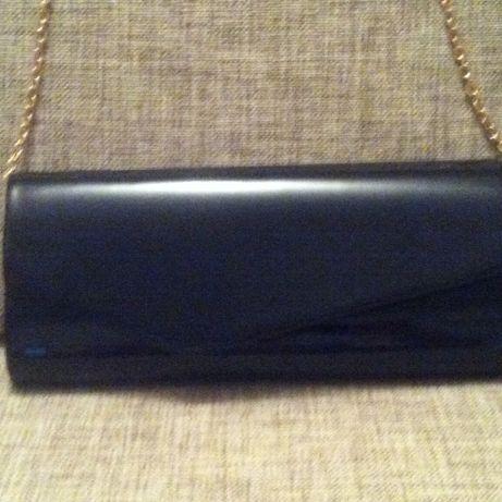 czarna torebka kopertówka MARKS&SPENSER
