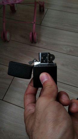 Зажигалка Zippo новая,торга нет