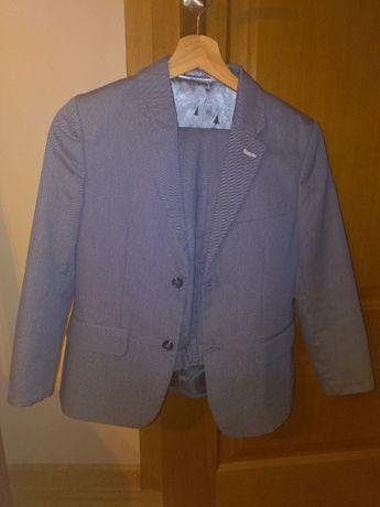 Niebieski garnitur dla chlopca
