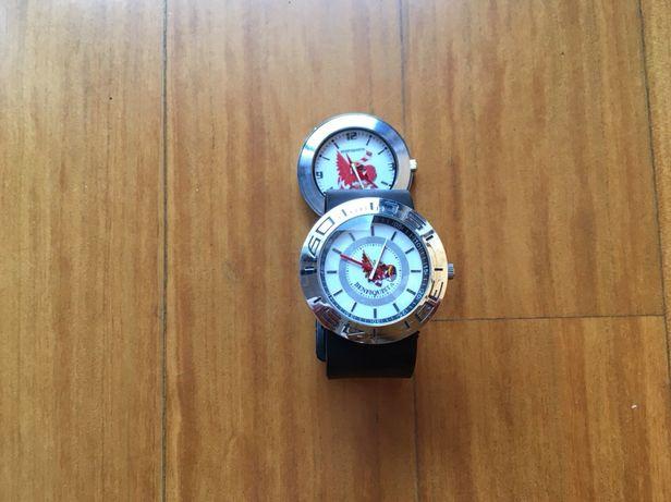 2 relógios com portes incluídos