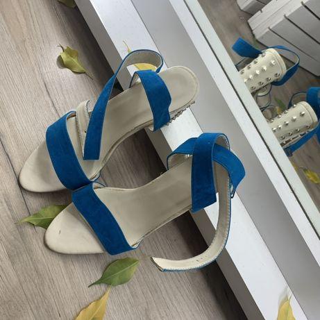 Босоножки нові ,туфлі