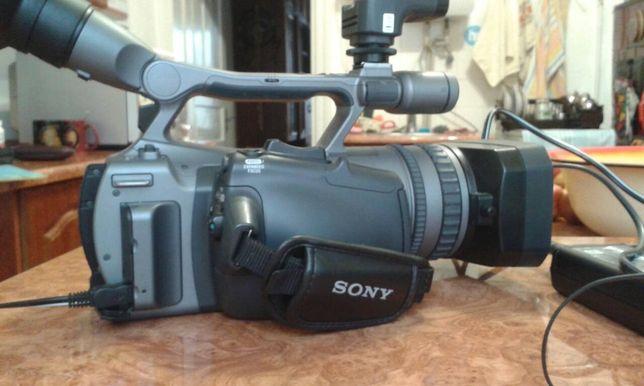 Камера hdr-fx7e-sony трьох матрична ОБЄКТИВ-CARL ZEISS 20+oртісає zoom