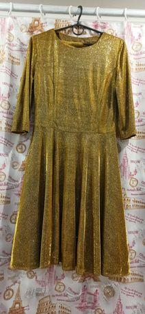 Платье нарядное, 44-46 размер