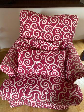 Piekny fotel bujany uszak