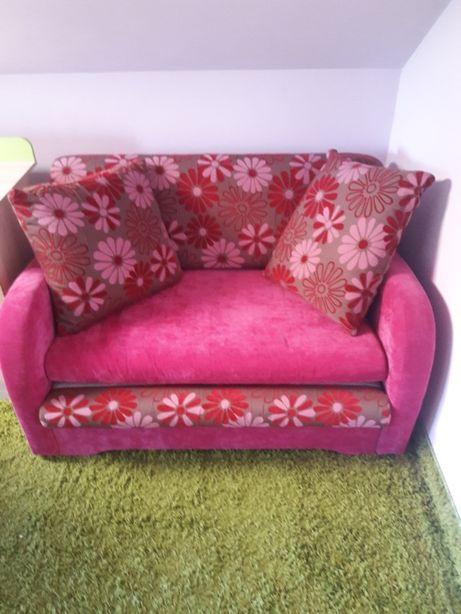dwuosobowa sofa rozkładana