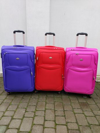 LAGUNA 207 Польща на 4-×. кол. валізи чемоданы сумки на колесах