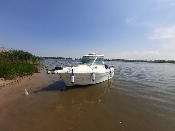 Sprzedam łódź motorowo kabinową